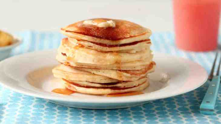 easy_mothers_day_pancake_recipe_horiz