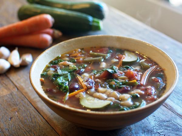 olive-garden-minestrone-soup-copycat-recipe-01.jpg
