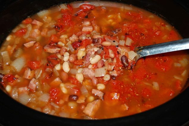 Crock-Pot-Beans-and-Ham-Soup-3-1024x681