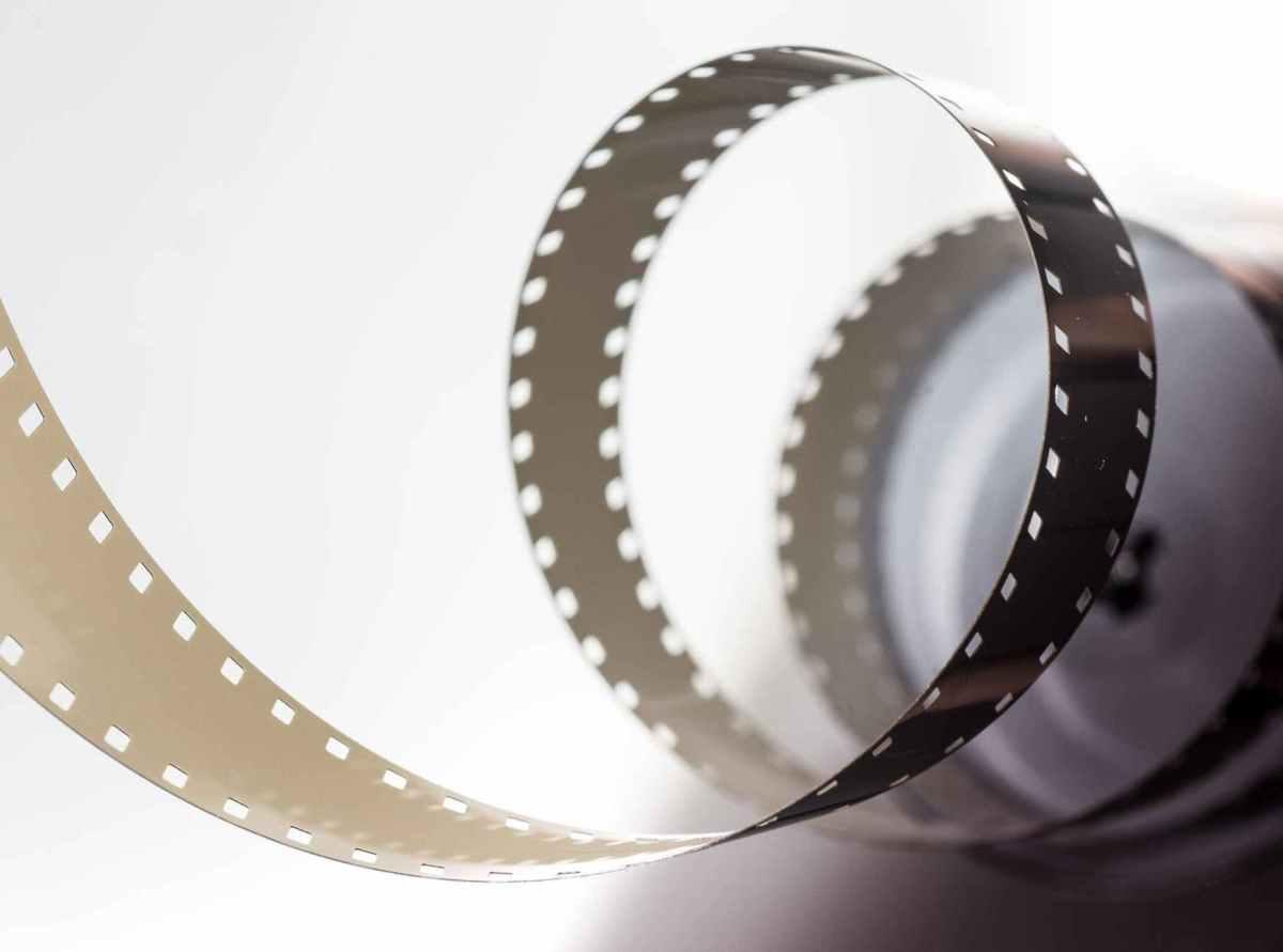 film-movie-motion-picture-390089.jpeg