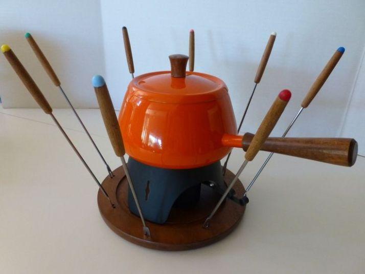 7812edd2dd8900074157bba968b2b392--pot-sets-vintage-kitchenware