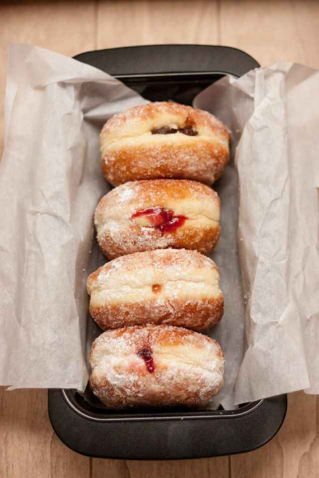 berliner dessert donuts doughnuts