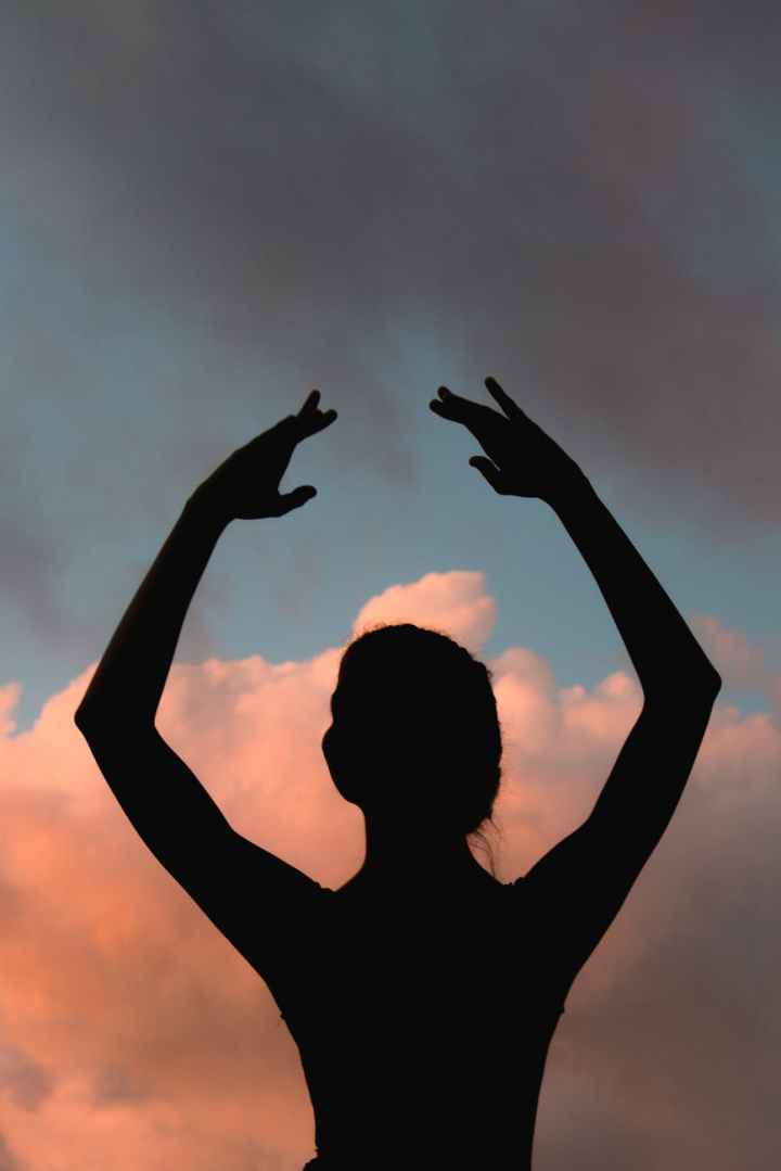 silhouette of ballet dancer