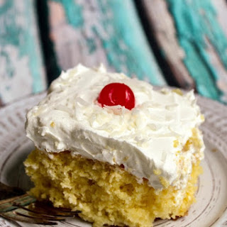 Happy Hawaii Day *  Pina Colada Dump Cake