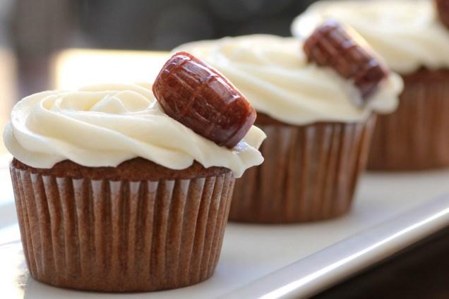 root-beer-float-cupcakes-1