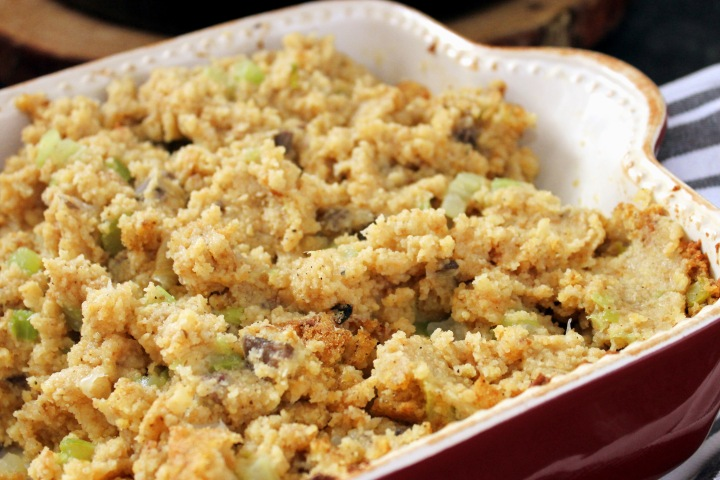 Mama Thanksgiving Cornbread Dressing :