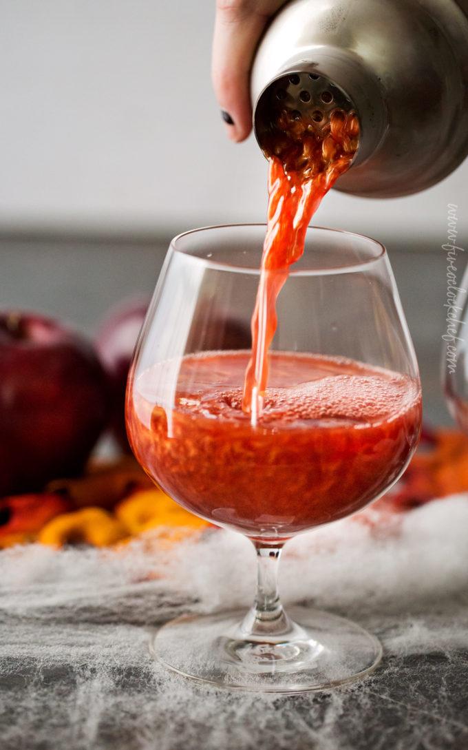 Poisoned-Apple-Cider-Cocktail-2-680x1089