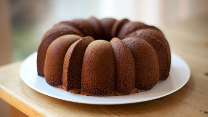 Chocolate Milk Bundt Cake