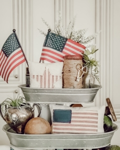 Patriotic themed tiered tray